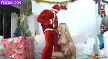 Скриншот Дед мороз разбудил болндинку и насадил на большой кукан