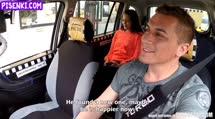 Скриншот Стройная студентка отдалась таксисту
