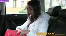 Скриншот Русской туристке достался большой член таксиста